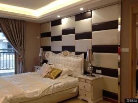 主卧室黑白软包背景墙装修效果图