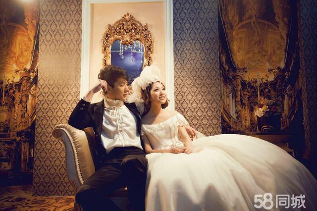 丰满新娘时尚欧式婚纱摄影