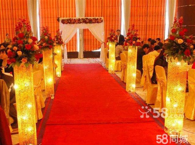 红色欧式婚礼花房