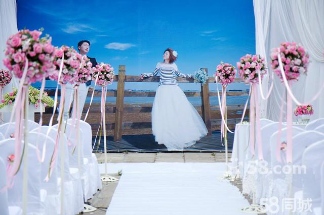 制造仪式唯美气氛 二: 会场布置 个性舞台背景高品质布置 欧式布艺
